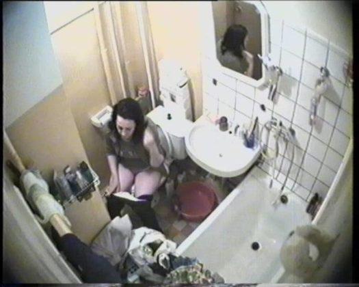 скрытая камера в туалете студенческого общежития спб